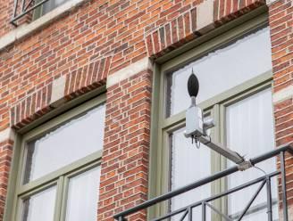 """Leuven meet geluidsoverlast in centrum en maant binnenkort lawaaimakers subtiel aan tot stilte: """"Hier slapen mensen"""""""