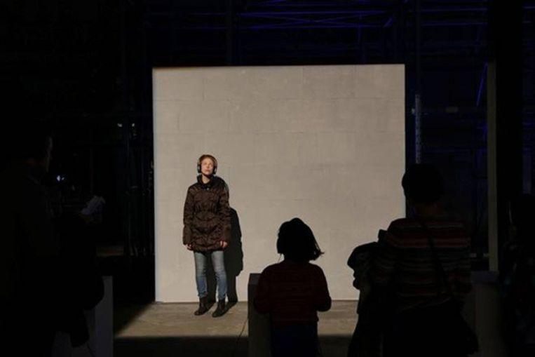 Sander Breure en Witte van Hulzen: A Plane Passing Over, performance, variabele duur, Art Rotterdam, 2014. Beeld -
