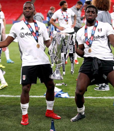 Fulham promoveert na zinderende verlenging en sensationele goal