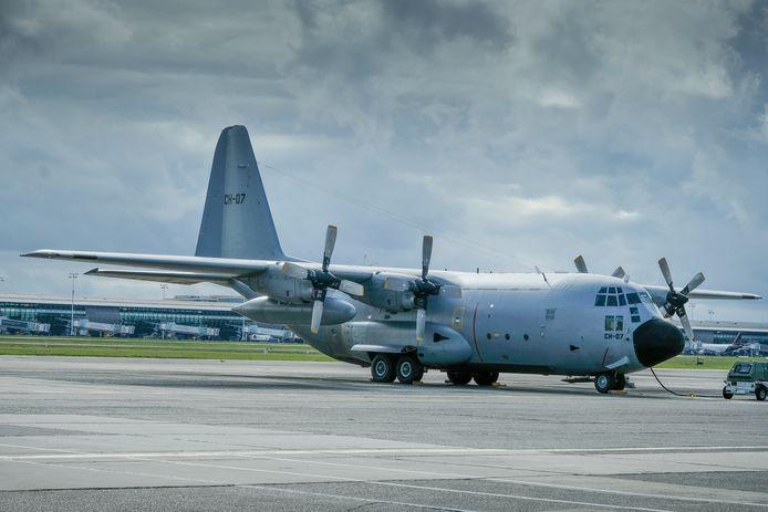 Een C-130, niet de oudste, op de luchtmachtbasis in Melsbroek.
