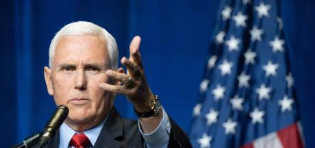 Oud-vicepresident Pence omarmt Trump in toespraak