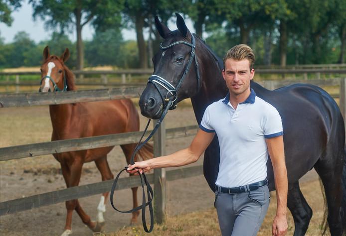 Dirk-Jan van de Water was sterk op het Gelders kampioenschap dressuur.