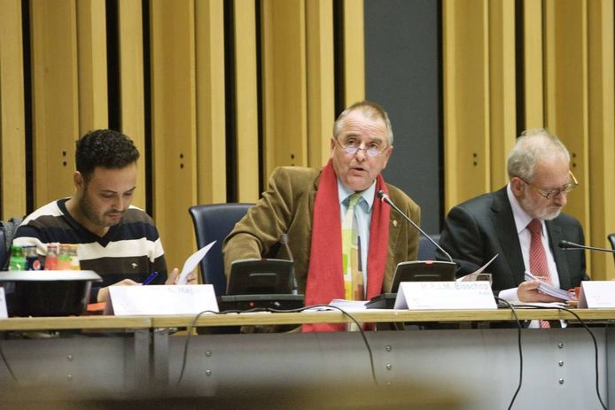 Dick Bisschop (midden).