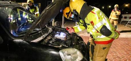 Brandweer voorkomt autobrand in Eerbeek