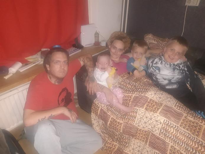 Hennie Legen met haar gezin.
