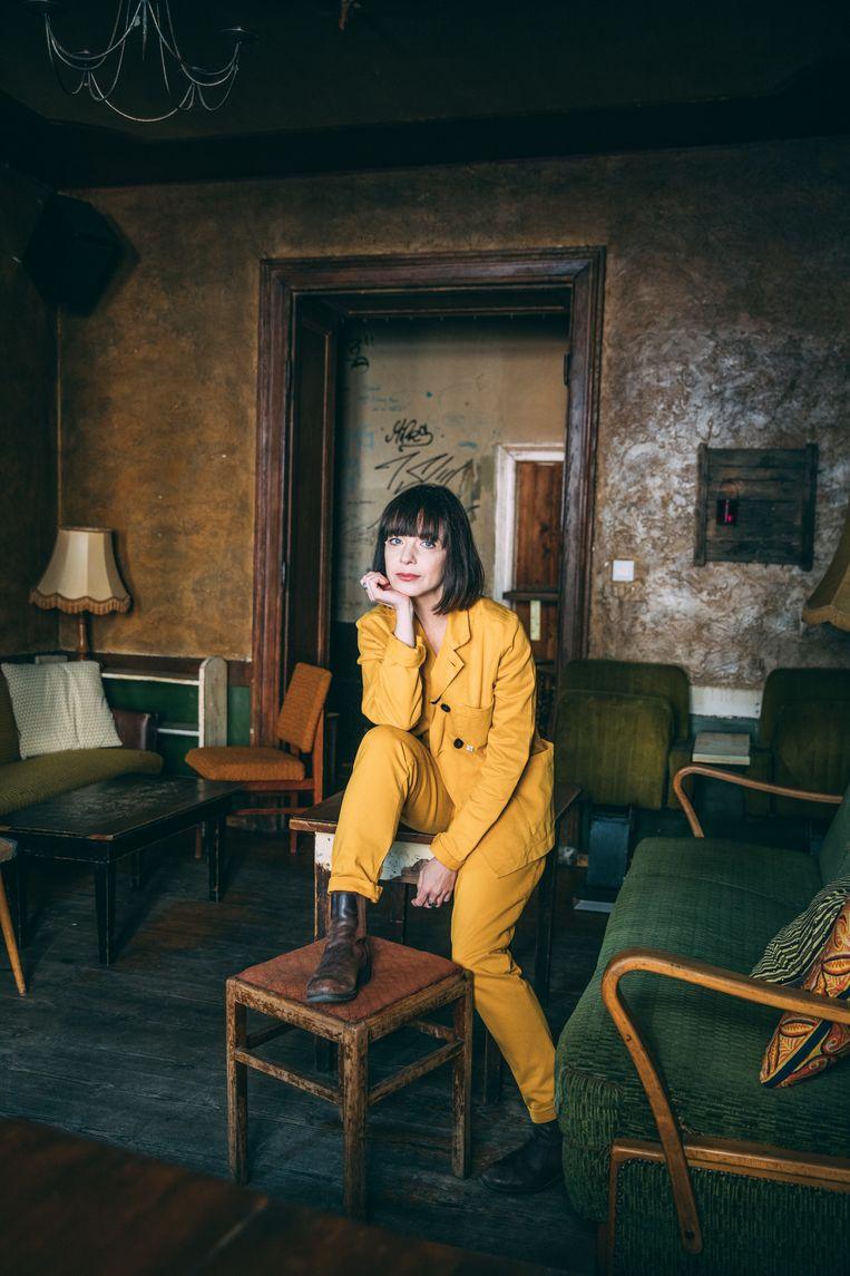 Laura Jansen gefotografeerd in Café Mano. Beeld Marlena Waldthausen