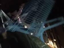 Vandalen gooien winkelwagentje meters naar beneden in Breda
