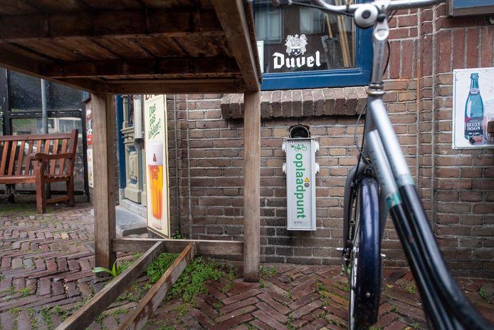 Lekker eropuit met de elektrische fiets, maar dan is opeens de accu leeg. Wat nu?