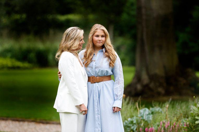 La princesse Catharina-Amalia et sa mère, la reine Maxima.