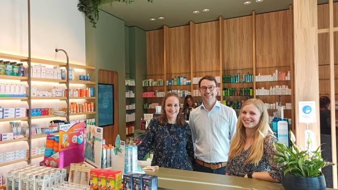 """Dorpsapotheek Waarschoot verhuist naar de N9: """"Willen apotheek van de toekomst zijn met nadruk op persoonlijk advies"""""""