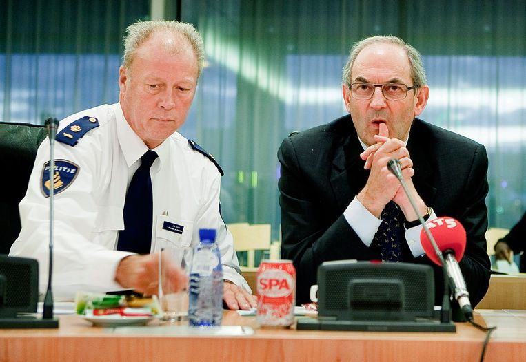 Ad Smit (links) in 2009 met toenmalig burgemeester Job Cohen. Beeld Amaury Miller
