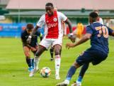 Ajax klopt Basaksehir bij debuut Marin en Promes