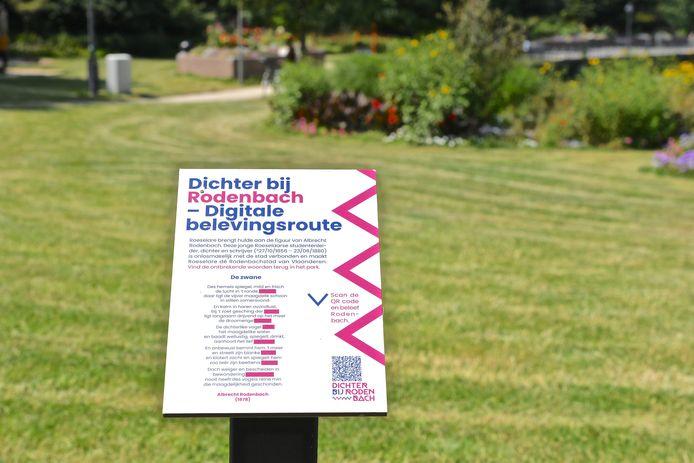 De belevingsroute kan je eender wanneer volgen via de bordjes met QR-code in het straatbeeld.