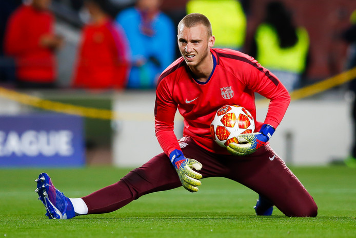 Jasper Cillessen tijdens de warming-up.