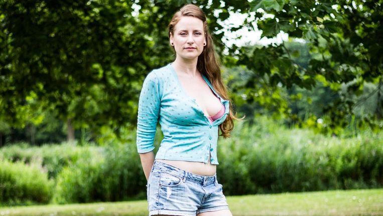 Yvette Luhrs: 'Het lijkt alsof ik een doodswens heb, want ik stop bijna nooit voor rood licht' Beeld Tammy van Nerum