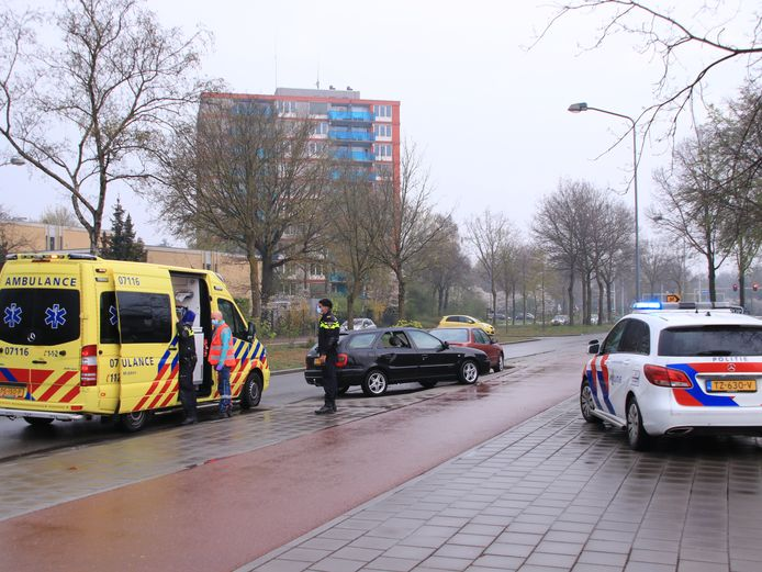 De ambulance en politie rukten uit naar het ongeluk op de Proosdijerveldweg
