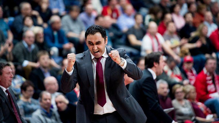 Oostende-coach Gjergja gaat uit zijn dak Beeld BELGA