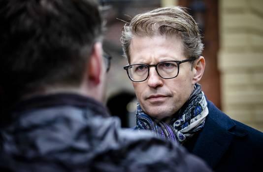 Minister Sander Dekker voor Rechtsbescherming (VVD) bij aankomst op het Binnenhof voor de wekelijkse ministerraad.