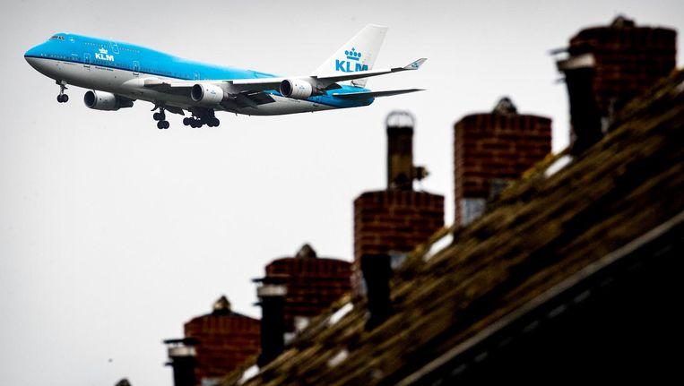 Vorig jaar kwamen ruim honderdduizend vliegtuigen pal over Aalsmeer, 57 procent meer dan in 2013 Beeld anp