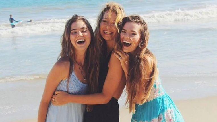 Essena O'Neill te midden van haar 'vriendinnen' Nina en Randa
