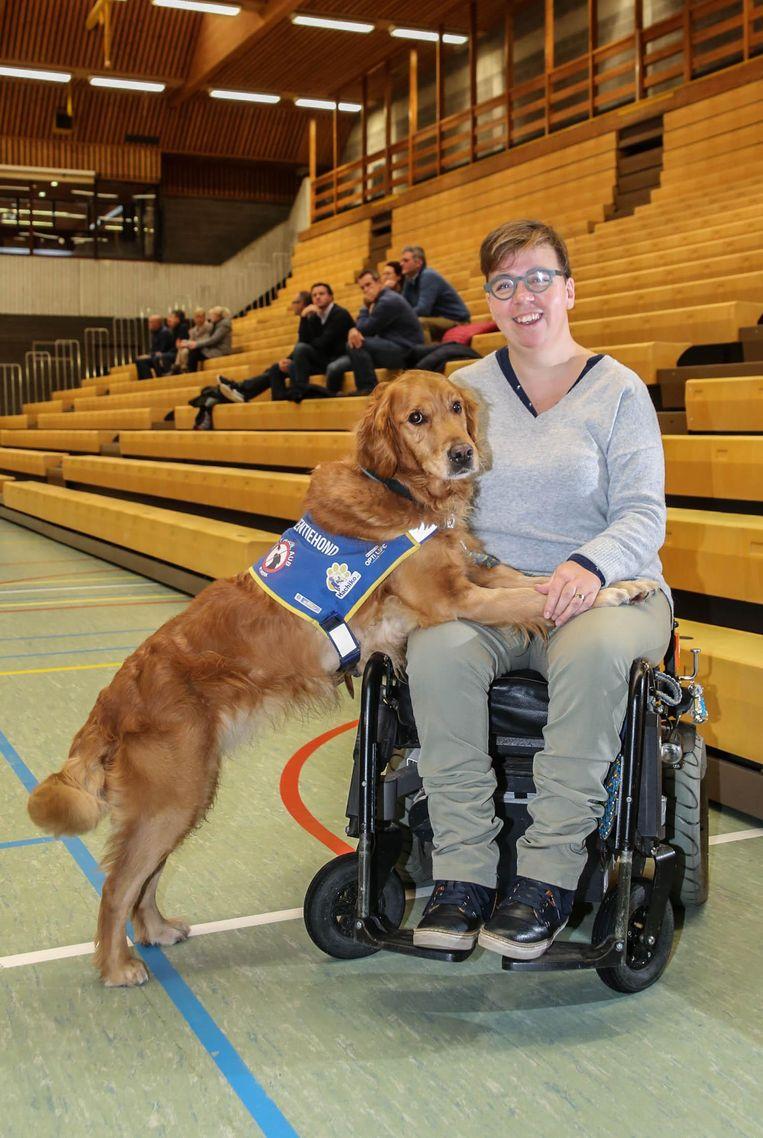 An Vanheusden met haar hond Louise, die alles voor haar betekent.