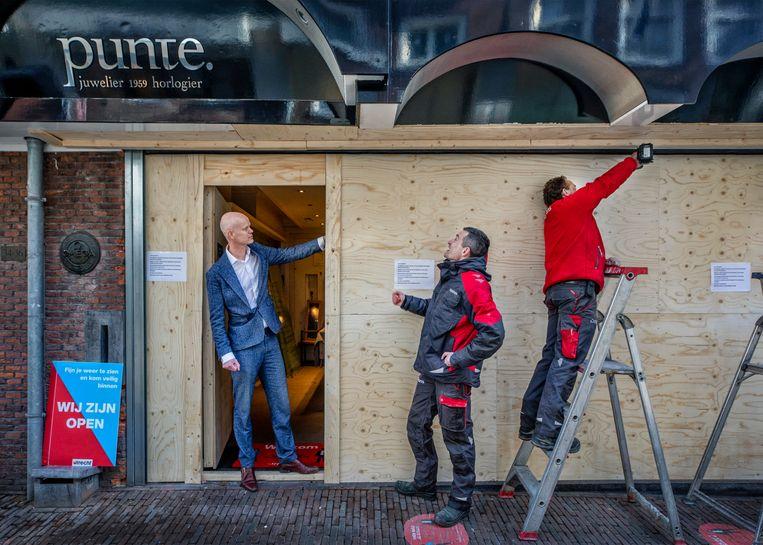 Ruud Reijers: 'En nu blazen van die malloten de boel op.' Beeld Raymond Rutting / de Volkskrant