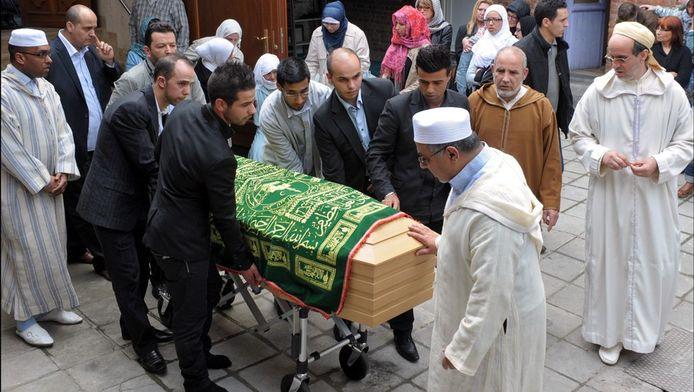 Meurtre homophobe à Liège: cérémonie à la mémoire de la victime Ihsane Jarfi à la mosquée Assabil