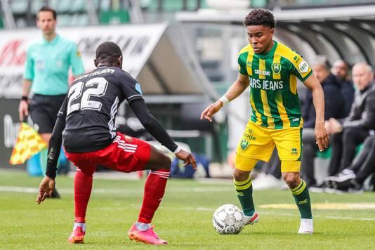 Vicente Besuijen was vorige week goed voor twee assists tegen Feyenoord, maar 'scoorde' ook een gele kaart en is zondag tegen PEC Zwolle geschorst.
