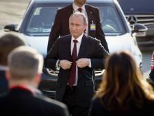 Poetin kort op bezoek in Nederland