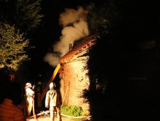 Uitslaande zolderbrand richt aanzienlijke schade aan in nieuwbouwwoning