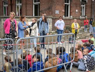 """REPORTAGE. De eerste schooldag in Pepinster: """"Sommige kinderen slaan in paniek als ze het geluid van een wasmachine horen"""""""
