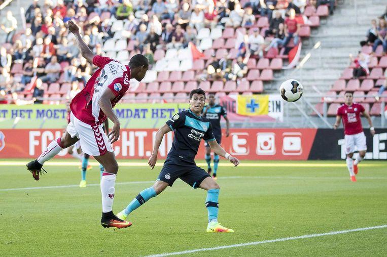 Haller kopt de 1-0 binnen voor Utrecht. Beeld anp