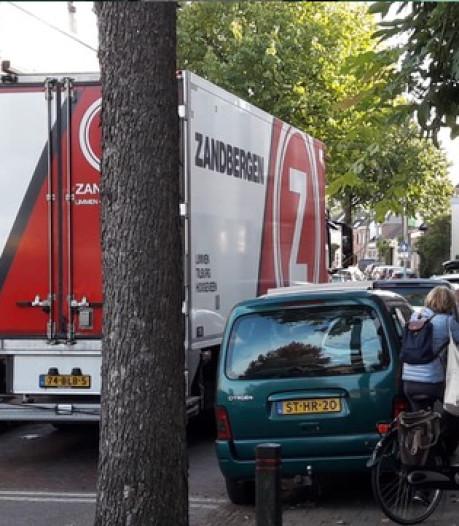 Bredase wijk is klaar met trucks: blokkade!
