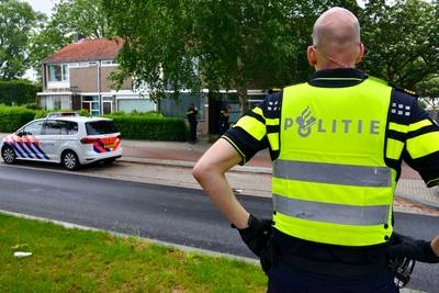 Woning en omgeving afgezet in Breda, veel agenten op de been