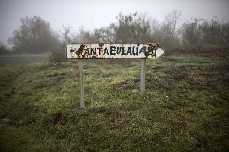 Wegwijzer naar Santialla. Beeld Julius Schrank