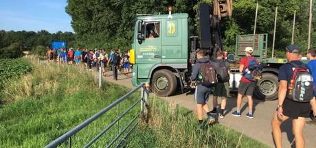 Foutje: vrachtwagens drukken lopers van de route in Nederasselt