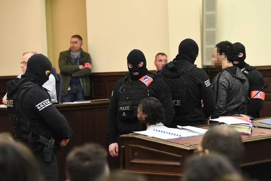 Salah Ablesdam (zittend) en zijn medeverdachte Sofiane Ayari (rechts) vandaag in de rechtszaal.
