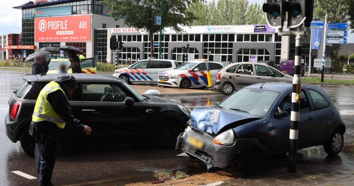 Betrokkenen vluchten na ongeval in Veenendaal.