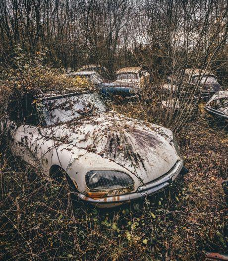 Deze Fransman fotografeert de schoonheid van 'vergeten' automobielen