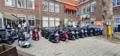 Stichting zamelt 80 scootmobielen en 50 rolstoelen in voor hulpbehoevenden in Turkije