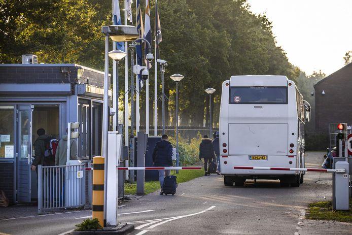 Exterieur van de centrale noodopvang voor asielzoekers in Ter Apel.
