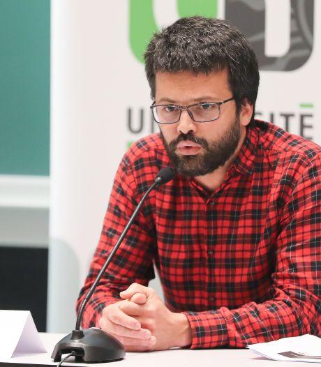 """Emmanuel André sur la distribution des vaccins: """"La main a été laissée aux multinationales"""""""