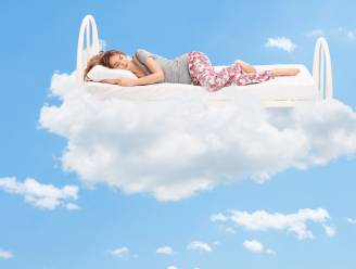 Dit is waarom je lichaam schokt voor je in slaap valt