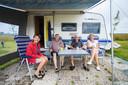 Vakantie vieren kan ook in Zoetermeer, weten deze gasten uit Twente op camping De Drie Morgen.
