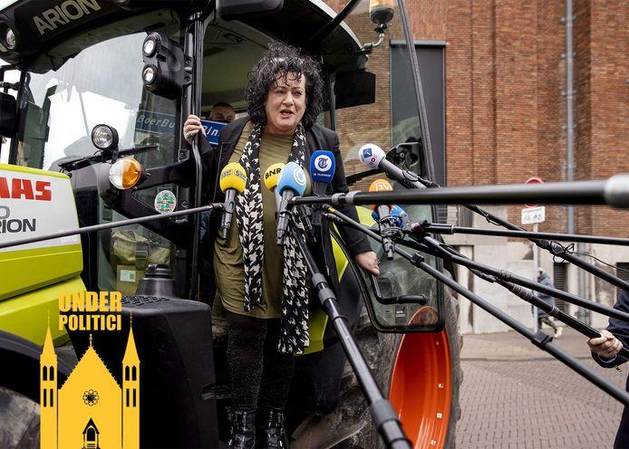 Caroline van der Plas van de BoerBurgerBeweging (BBB) op het Binnenhof, de dag na de Tweede Kamerverkiezingen.