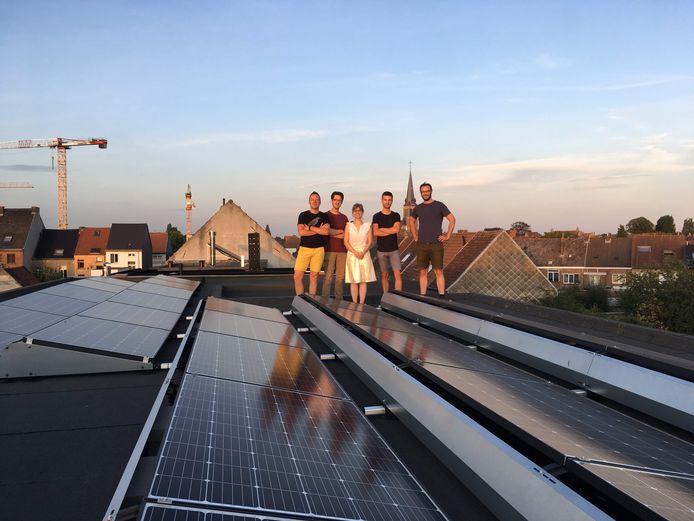 Buurzame Stroom is goed voor zonnepanelen op 110 woningen, 2 appartementsgebouwen, 2 scholen en 8 handelspanden.