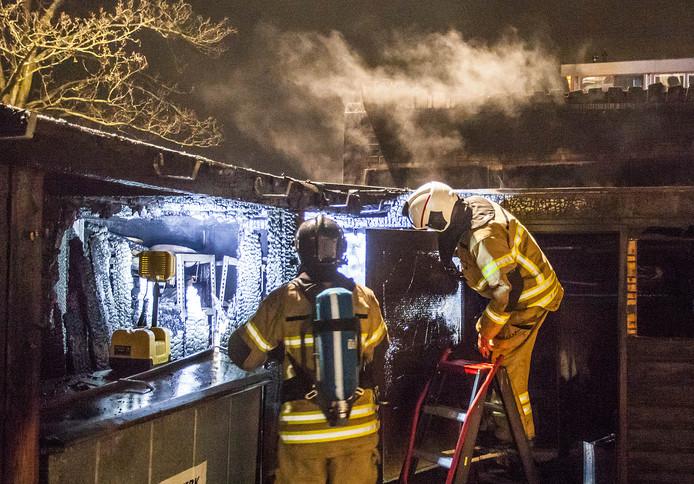 Het magazijn van zowel 't Kookhuys als Smook is volledig verwoest door de brand.