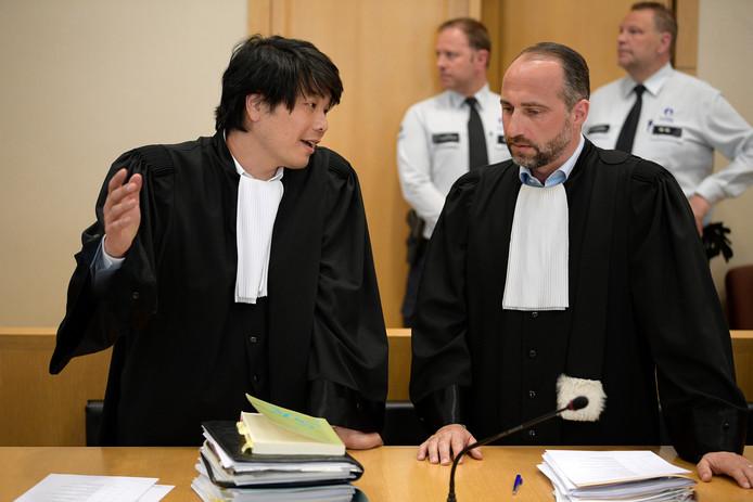Advocaten van het slachtoffer Philip Daeninck (l) en Bert Partoens tijdens het proces dinsdag.