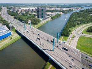 Grote zorgen om afsluiting A12: 'Slechte timing en communicatie Rijkswaterstaat'