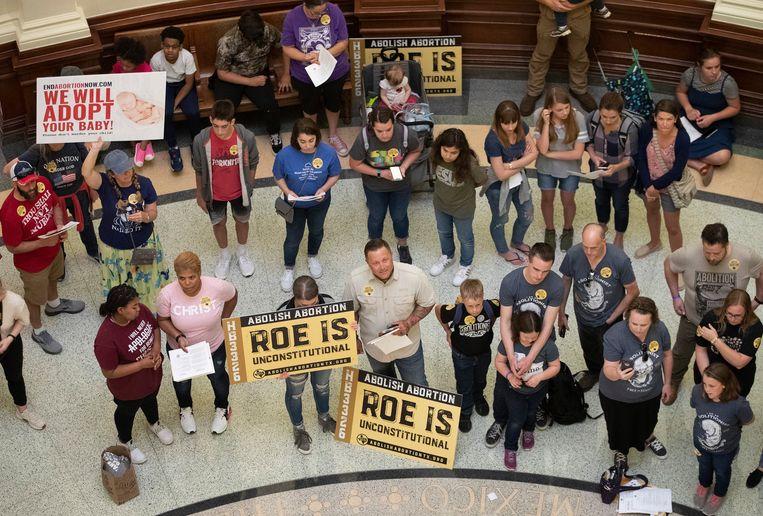 Tegenstanders van abortus tijdens een demonstratie in het Capitool. Beeld AP